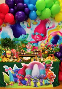 Trolls party decorations